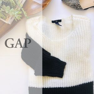 GAP knit color block XS Black & White Sweater